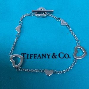 🔴Authentic TIFFANY & CO Heart Toggle Bracelet ❤️